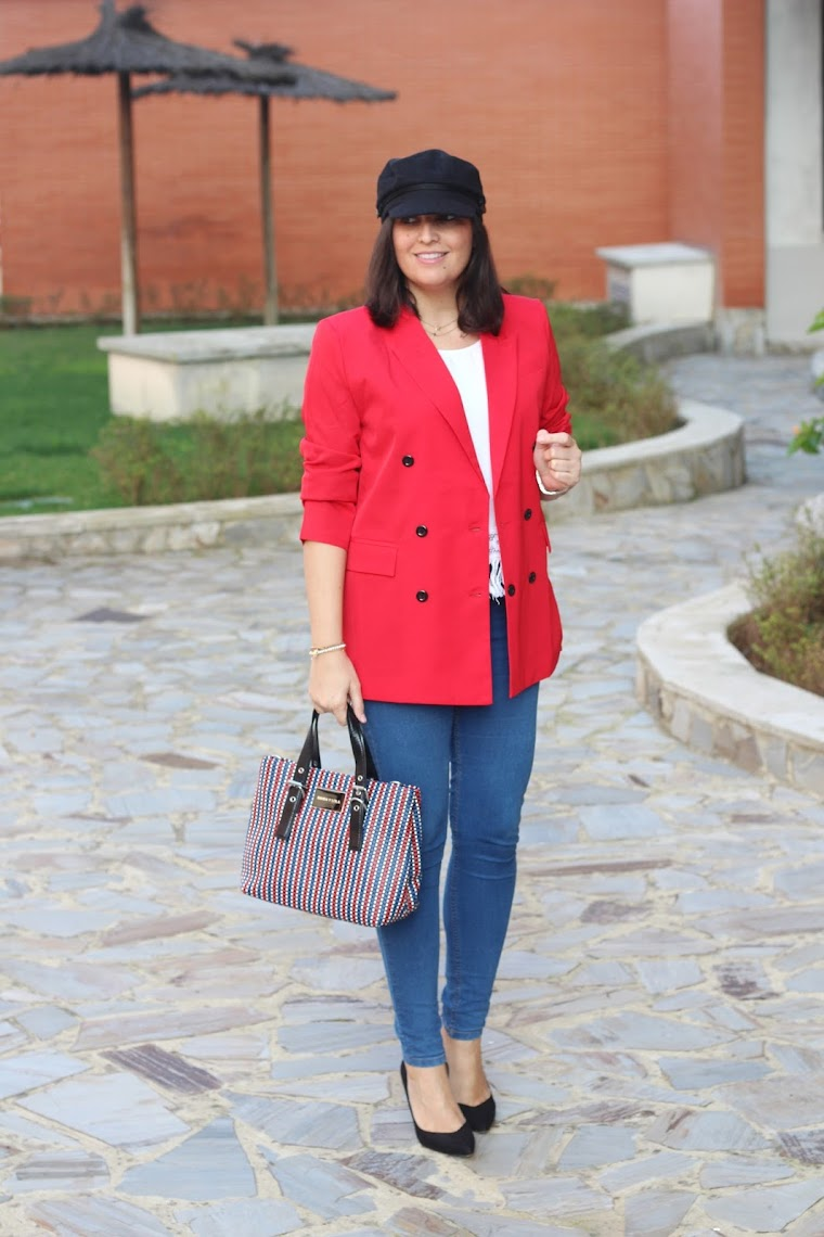 http://es.shein.com/Slim-Fit-Double-Breasted-Blazer-p-390481-cat-1739.html?utm_source=simply2wear&utm_medium=blogger&url_from=simply2wear_es