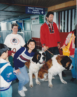 Bersama anjing jenis St.Bernard di Titlis . Switzerland, my fav dog!