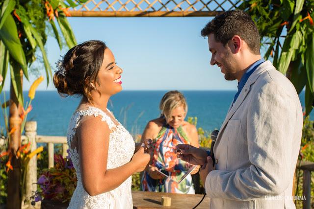 casamento no club med trancoso destination wedding na praia, celebrante, cerimonia, penteado