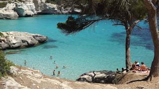 Csodás türkizkék tenger Menorca-n