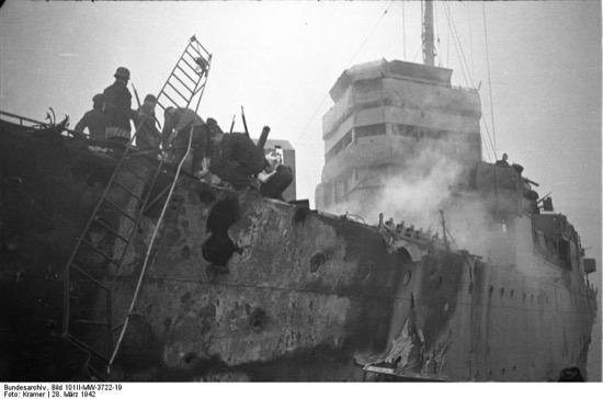 Estado del barco-bomba tras el ataque