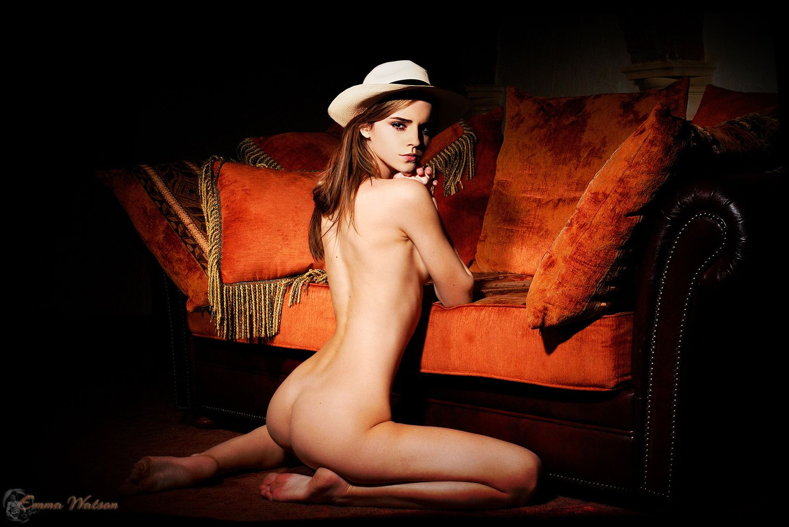 Emma Watson Naked Photoshoot Ass