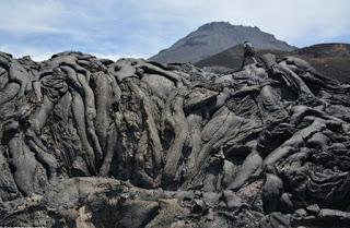 Bằng chứng về núi lửa sụp đổ gây siêu sóng thần lớn nhất lịch sử