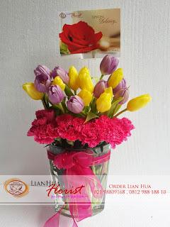 jual bunga tulip, rangkaian bunga tulip, bunga tulip ulang tahun, toko bunga di jakarta, karangan bunga tulip, bunga tulip ungu & kuning
