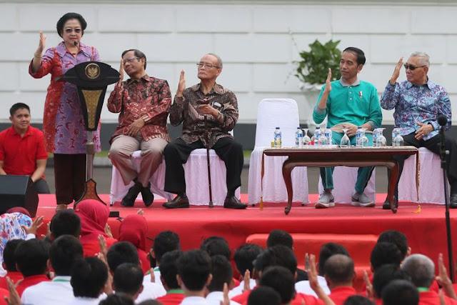 Saat Megawati Keceplosan Panggil Jokowi 'Dik'...