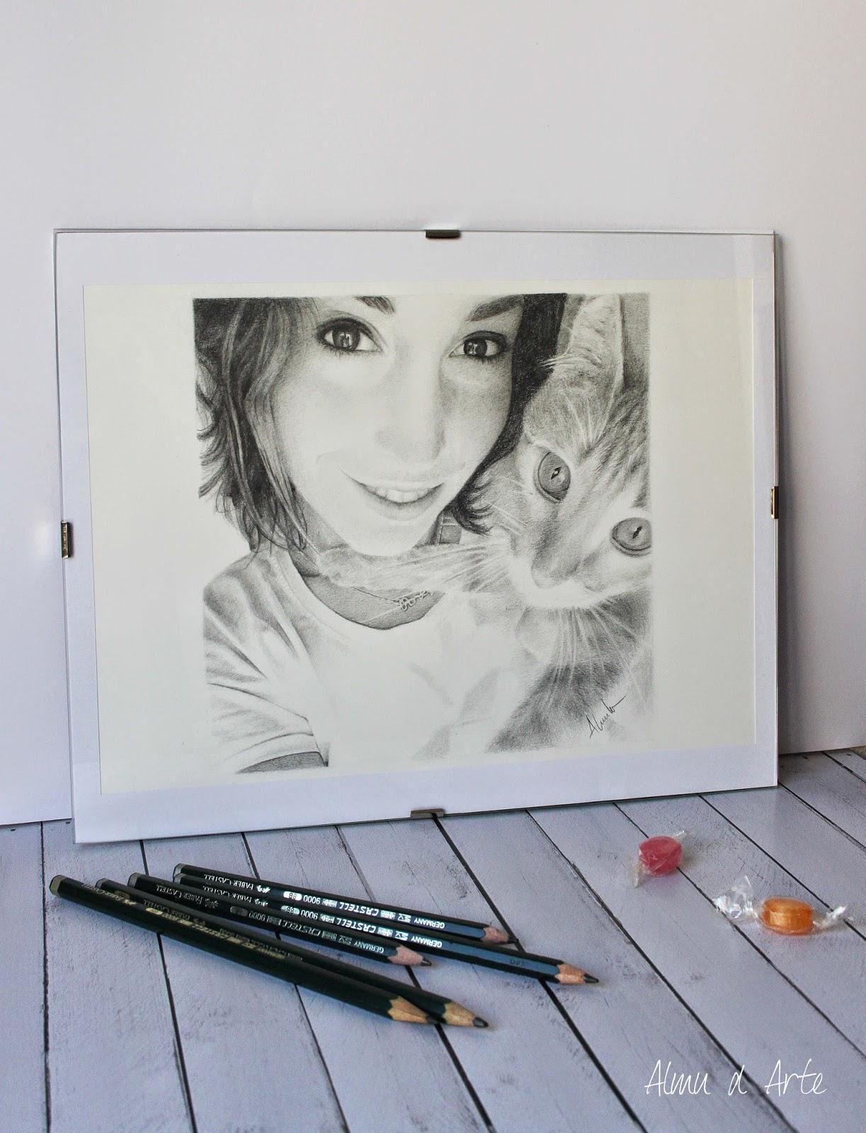 Retrato a lápiz enmarcado de Alma Obregón
