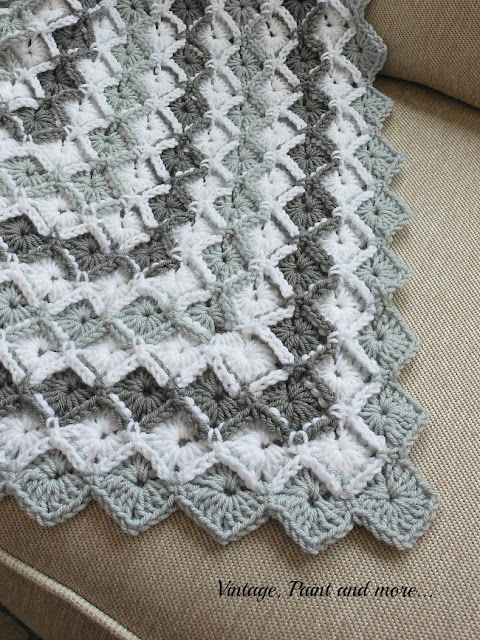 Vintage, Paint and more... close up view of the edging done on a crochet afghan done in a diamond pattern