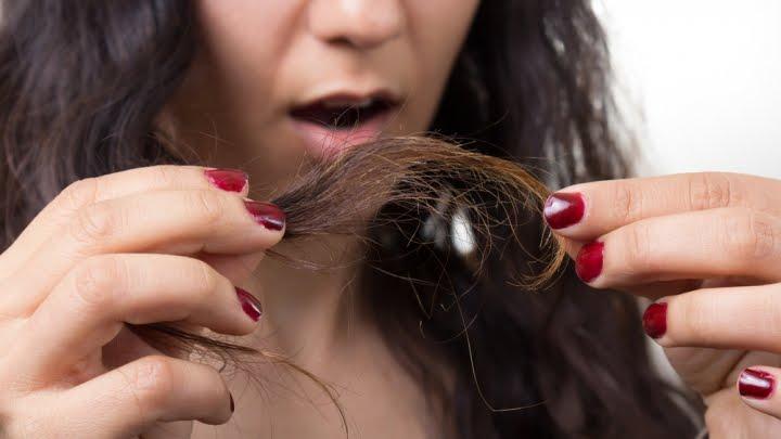 सर्दियों में बालों को स्वस्थ और मज़बूत बनाने के 7 नुस्के