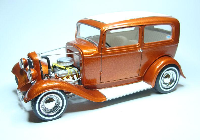 Lesshood on Model Car 1932 Ford Rods