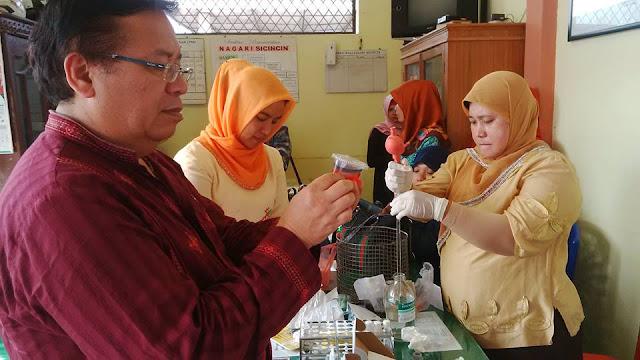 Kadiskes Padang Pariaman dr.Aspinuddin Himbau Masyarakat Untuk Berhati-Hati Konsumsi Jajanan Pabukoan