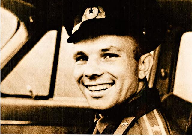 Юрий Гагарин был первым, кто предложил восстановить Храм Христа Спасителя