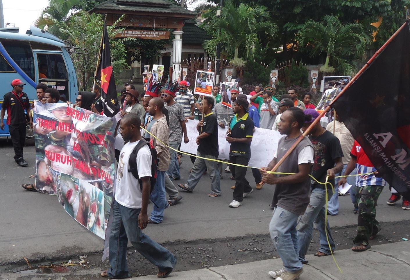 Contoh Pelanggaran Ham Di Sekolah Contoh Kasus Pelanggaran Ham Di Indonesia Siswa Master Mahasiswa Papua Terkait Kekerasan Pelanggaran Ham Di Papua Comments