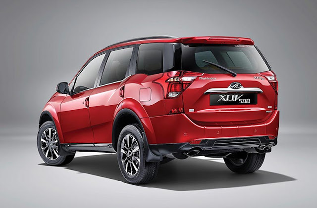 2018 New XUV 500 rear view image