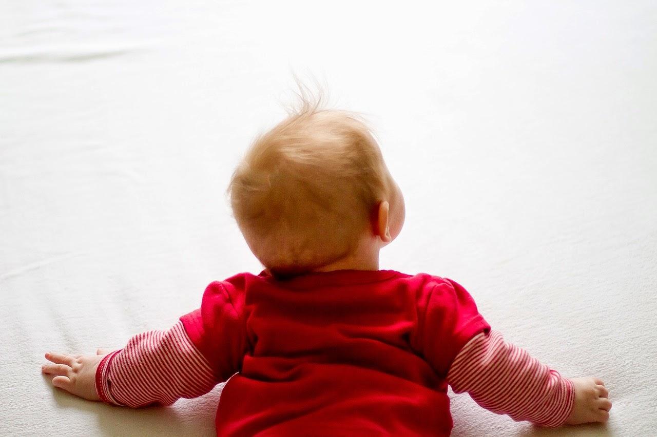 Cómo y cuando empiezan los bebés a gatear