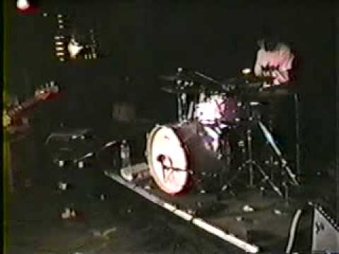 modest mouse live performance 1998