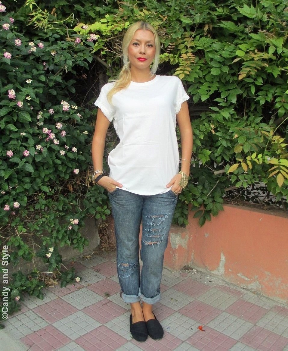WhiteTee, RippedBoyfriendJeans, SlipOns - Lilli Candy and Style Fashion Blog