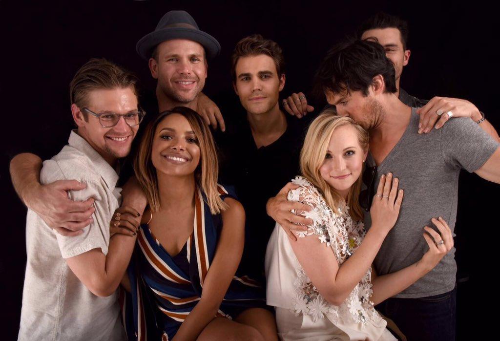 Nuevas fotos del cast ...