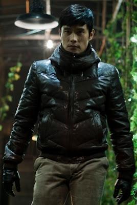 Lee Byung-Hun joue Soo-Hyun dans J'ai rencontré le diable réalisé par Kim Jee-woon (2010)