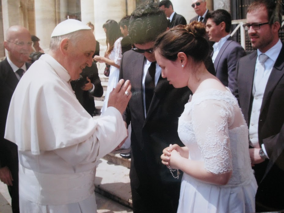 Little House in Chicago: Sposi Novelli: How we met the Pope