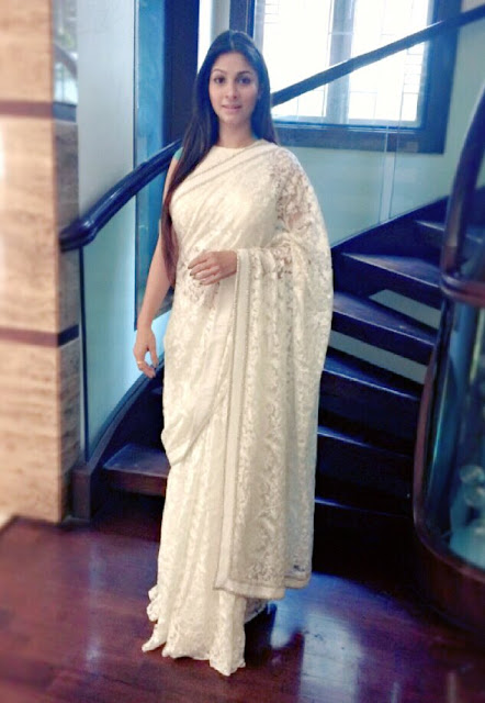 Tanishaa Mukharjee in white saree at INIFD college