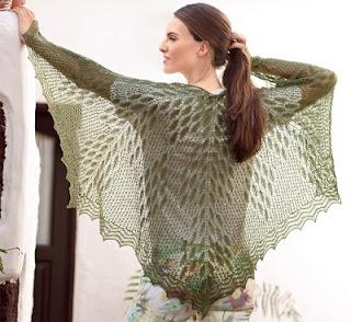 Ажурный платок с растительным узором