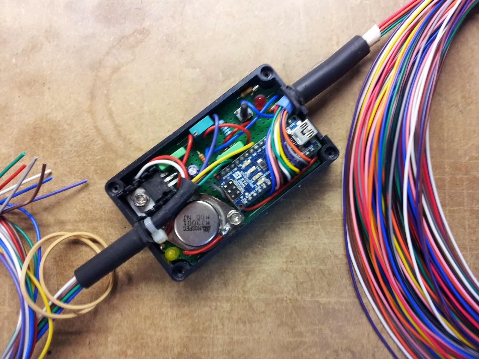 gsx 1400 indicateur de rapport engag moto et graissage de cha ne automatique moto arduino nano. Black Bedroom Furniture Sets. Home Design Ideas