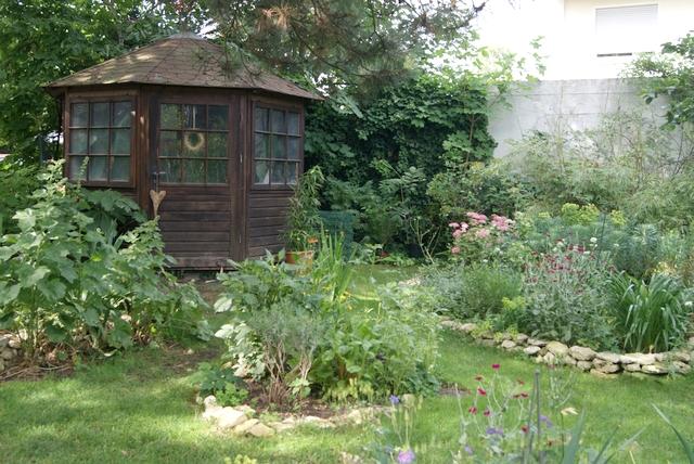 Garten im Juni