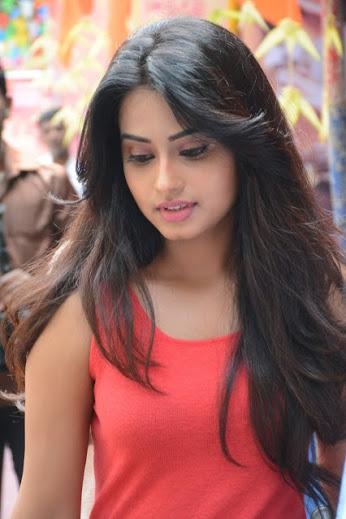 Hot Indian Model Pic, Charming Model Pic, Cute India Women Model Pic