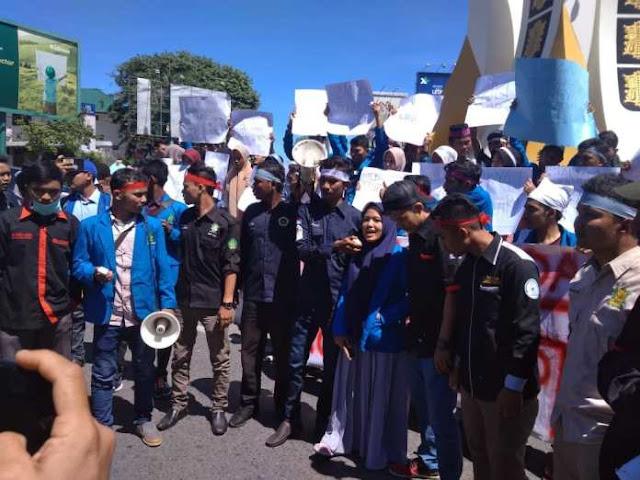 Rupiah Melemah, Aliansi Mahasiswa Pemuda Aceh Gelar Unjuk Rasa