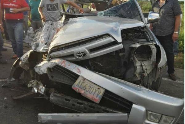 Dos amigos murieron en terrible accidente de tránsito en Maracaibo