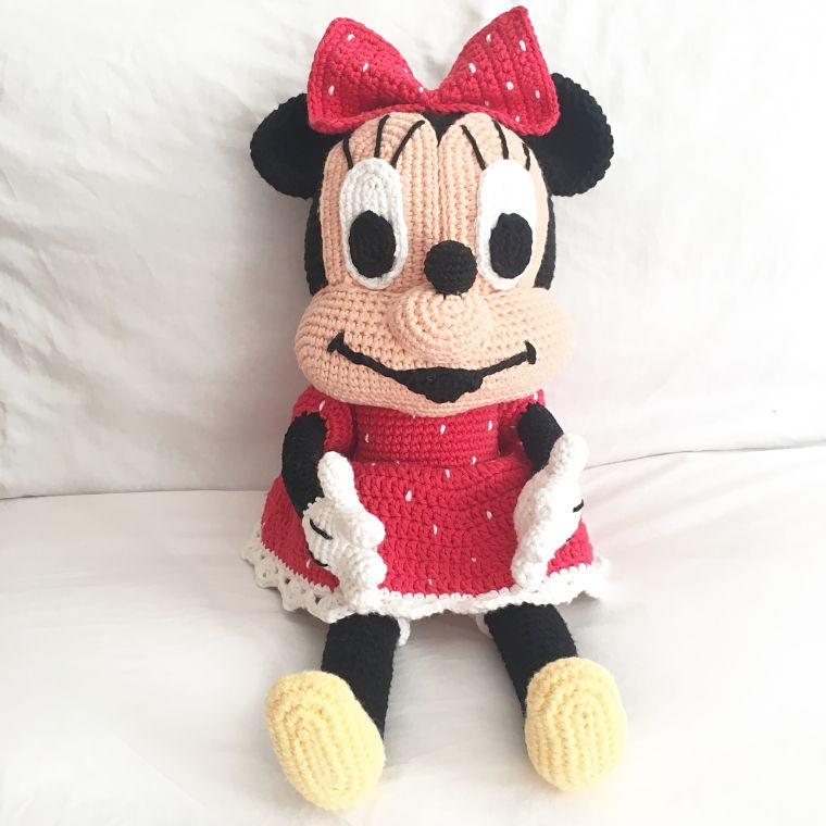 PUNTXET Minnie Mouse de ganchillo