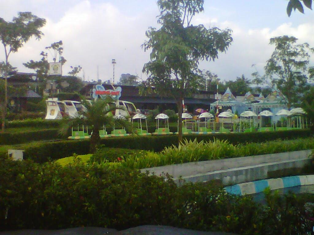 kampung gajah bandung