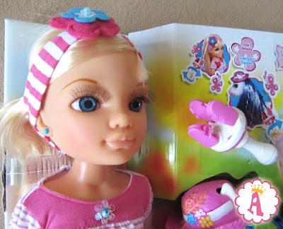 Красивая куколка Нэнси фирмы Famosa из набора Nancy and Her Fantasy Pony