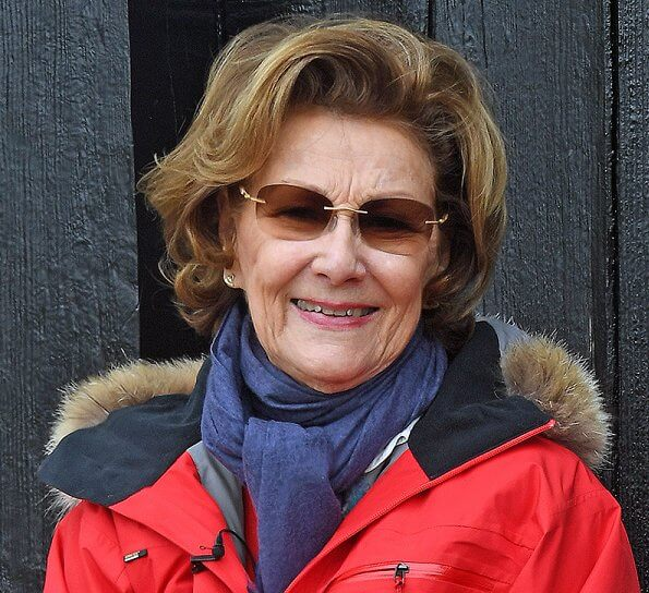 Queen Sonja wore Haglofs Haglöfs Spitz jacket women touring jacket in red at the royal residence in Kongsseteren in Oslo