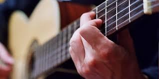 Lirik Dan Kunci Gitar Lagu Aldy Maldini – Biar Aku Yang Pergi