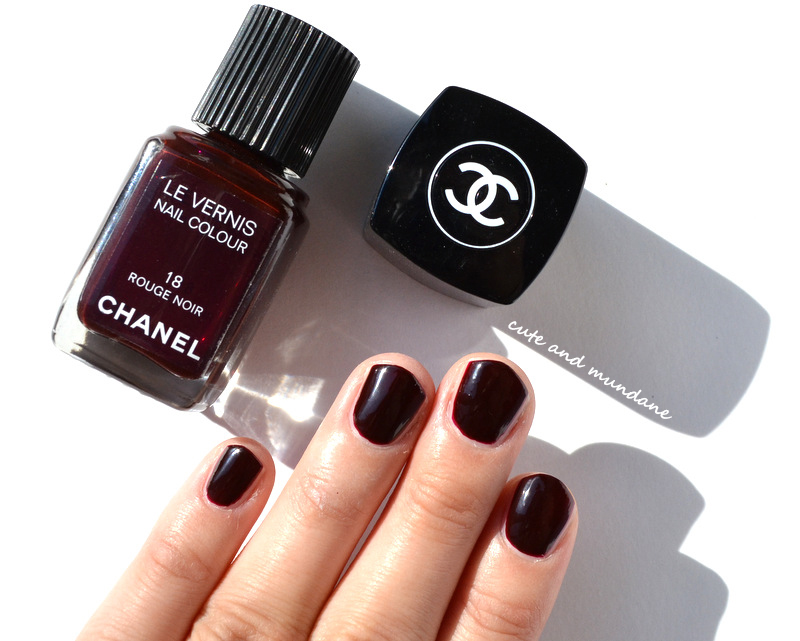 cute and mundane chanel vernis in rouge noir review. Black Bedroom Furniture Sets. Home Design Ideas
