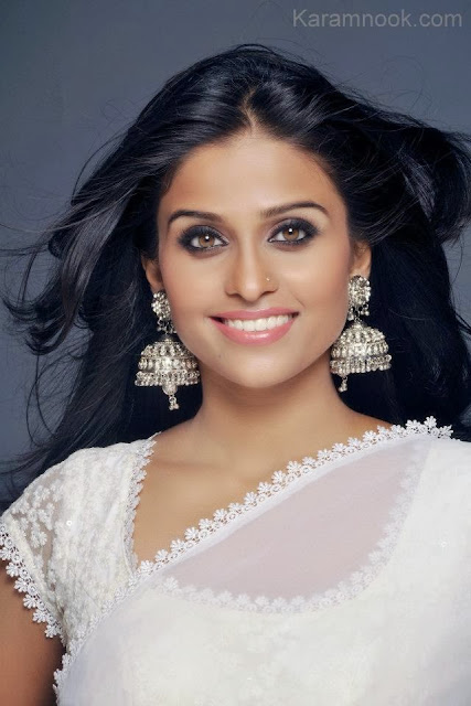 Ketki Palav wallpaper marathi actress