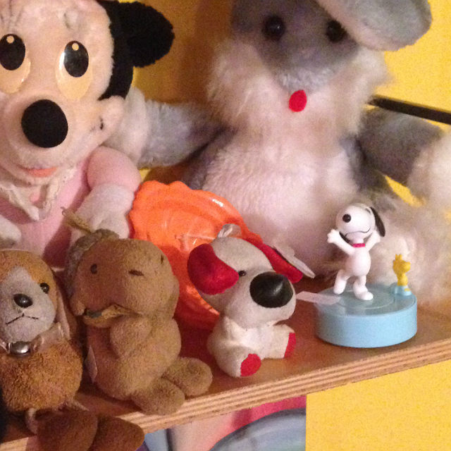 Snoopy vegyes társaságban - plüssök kicsiben és nagyban meg közepesben