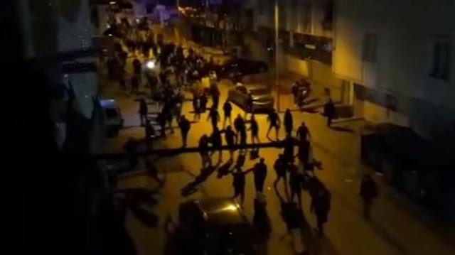 شبان أتراك يتحرشون بفتاة سوريّة ويكسرون محال لسوريين في اسطنبول