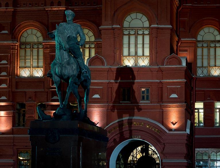 Памятник маршалу Жукову на Красной площади