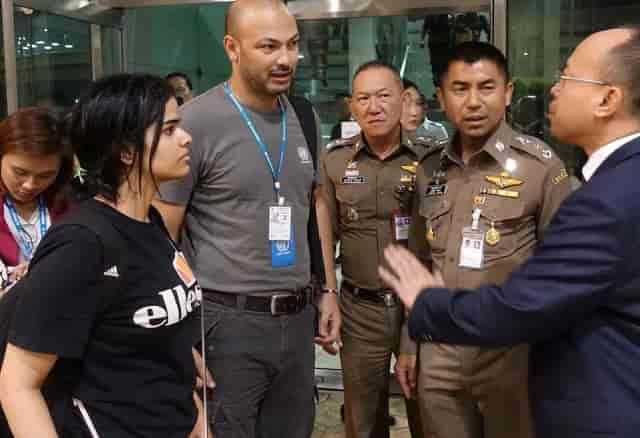 رهف القنون الفتاة السعودية الهاربة الى تايلند لن تجبر على الترحيل خوفا على حياتها