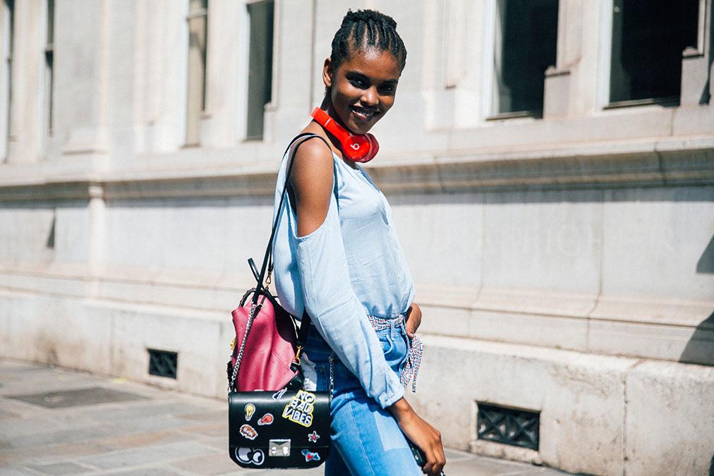 Street Style: Amilna Estevão's Off-the-Shoulder Look