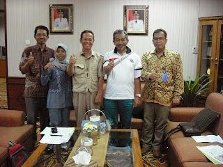 Tim Kreatif Batik Kota Bekasi Bersama Bpk Wakil Walikota Bekasi