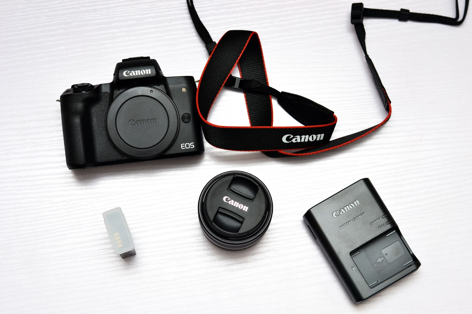 Canon m50 body and kit lens