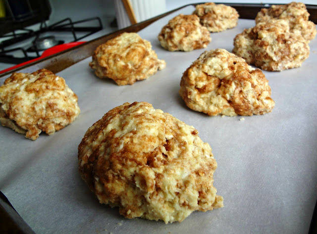 The Cooking Actress: Cinnamon Bun Scones