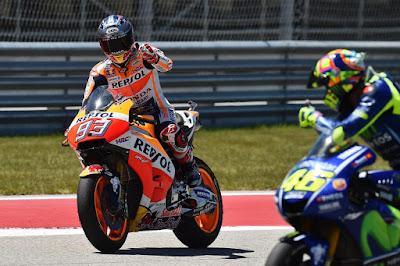 Renggang dengan Vinales, Rossi Merapat ke Marquez