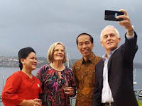 Ketika Presiden Jokowi dan PM Australia Malcolm Turnbull Berselfie Ria