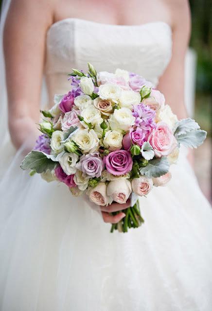 Những cách giữ hoa cưới tươi lâu