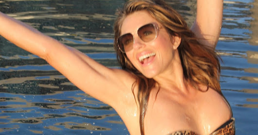 Elizabeth Hurley holidays in the Maldives