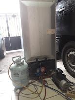 Proses service kulkas dan pengisian freon
